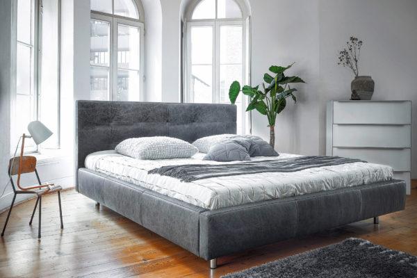 Camera da letto, ecco come si può inserire una poltrona